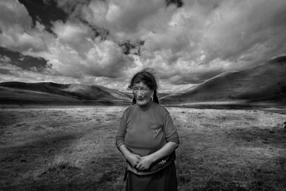 Tibetan Women on the Grasslands