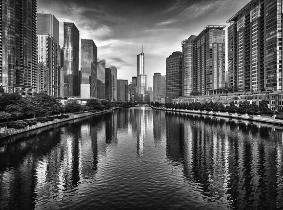 Trump Tower & Chicago River Skyline