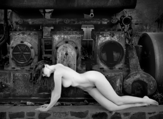Nude and Engine