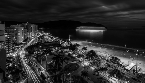 Santos by night