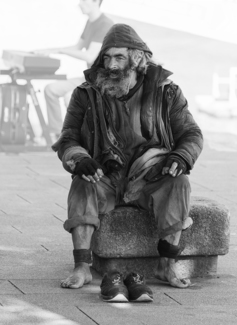 Homeless Man Porto 8836