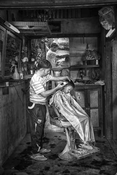 Trim Shop BW