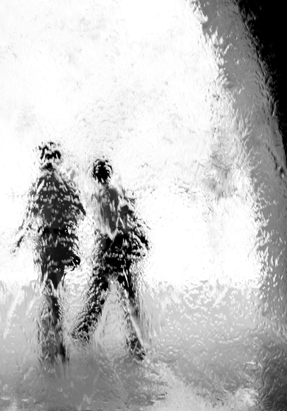 Water Wall Couple